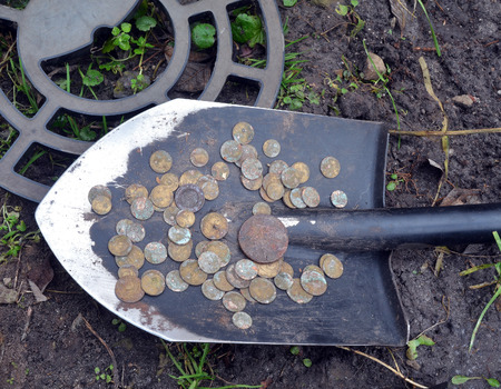 Found with metal detector near Kiev.Russian coins, metal detector and shovel Stock fotó - 91617061