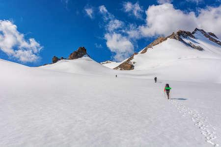 Mountain landscape view in Kyrgyzstan. Rocks, snow and stones in mountain valley view. Mountain panorama. Kyrgyz Alatoo mountains, Tian-Shan, Ala-archa, Kyrgyzstan. Archivio Fotografico - 155358864