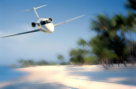 Concept de voyage avec avion. Nuages et mer