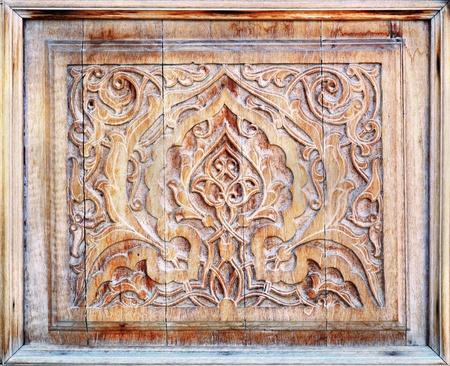 wood products: Modello di tradizionale orientale (decorazione) sui prodotti in legno