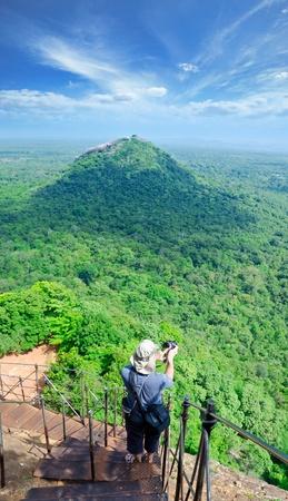 Sigiriya (roche du lion) est une grosse pierre et la ruine d'un ancien palais du centre du Sri Lanka Banque d'images - 11904758