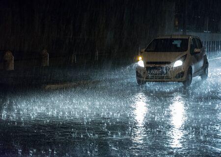 Mystical movement on a rainy night Imagens