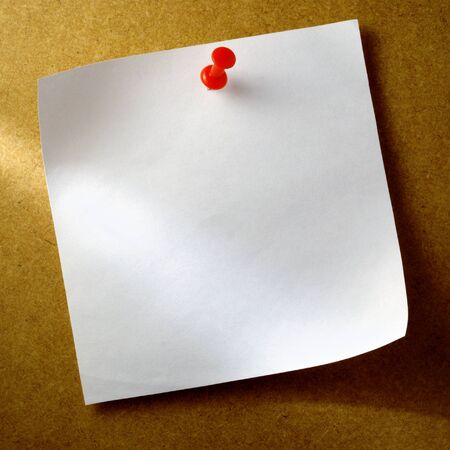 sticky notepaper: white sheet of paper for notes and pushpin