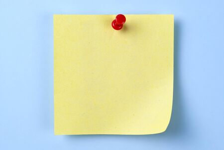 paper for important reminders on a blue background Stock Photo - 17163560