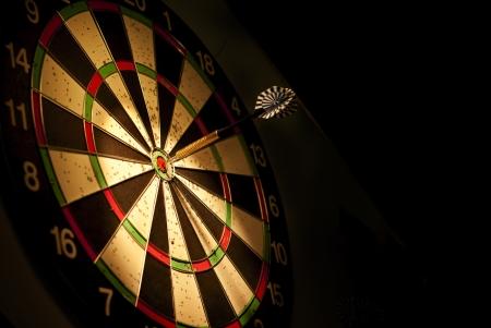 Darts Pfeile im Target Center Lizenzfreie Bilder
