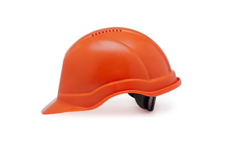 elementos de protección personal: Primer plano de trabajo casco naranja sobre un fondo blanco