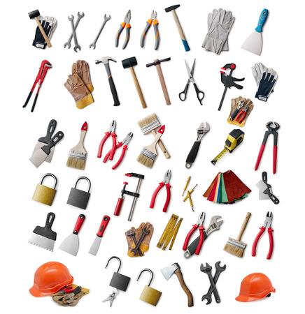 흰색에 고립 된 모듬 다른 손 도구 및 DIY, 건설, 유지 보수 및 업데이트에 대한 안전 장비의 큰 선택