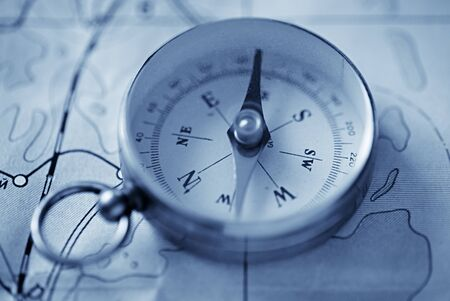 guidance: Navigation with a magnetic compass and ancient maps