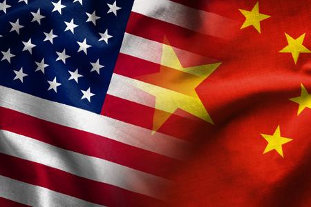 Compuesto de las banderas de la República Popular China y las barras y estrellas de los Estados Unidos de América Foto de archivo