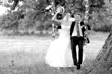 black-n-white portrait  groom and  bride  photo