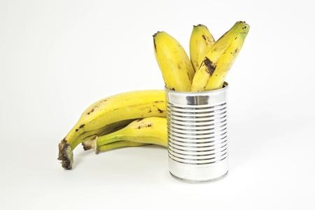 frutta sciroppata: Banane e conserve dettaglio frutta conservati in un barattolo, cibo sano, dieta