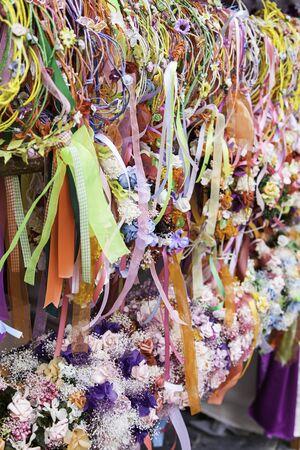 headbands: flores de las vendas cl�sicas, detalle de la decoraci�n para el cabello Foto de archivo
