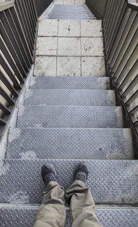 Escada metálica de emergência, detalhe de acesso para pessoas Foto de archivo - 79633255