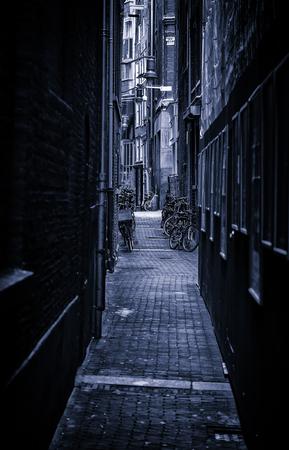 Callejón de Amsterdam, calle de la ciudad holandesa, turismo en europa