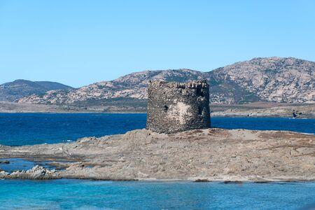 The blue sea on the beach La Pelosa in Stintino in Sardinia 版權商用圖片 - 9010706