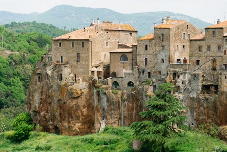 overhanging: view of the village of Pitigliano in Tuscany Stock Photo