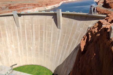 lake powell: Page Dam on Lake Powell in Arizona in America