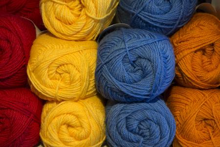 gomitoli di lana: gomitoli di lana colorata in Norvegia