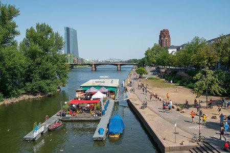 Frankfurt, Germany. July 2019.   a raft of a yacht club on the river Main 新聞圖片