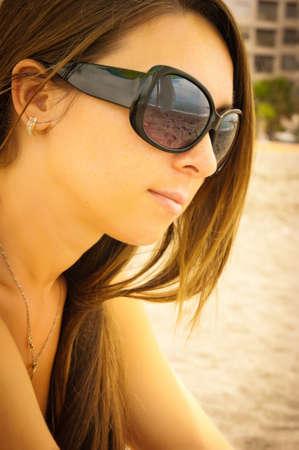 vacancier: la belle fille le vacancier sur une plage