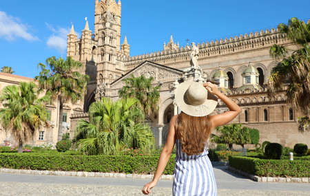 Beautiful girl visiting Palermo Cathedral in Sicily. Summer holidays in Italy. Archivio Fotografico