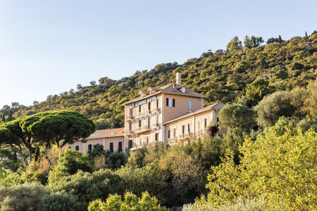 Provenal medieval village of Bormes-les-Mimosas in French Riviera Editoriali