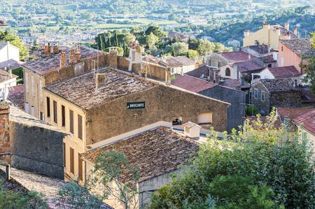 Borgo medievale provenzale di Bormes-les-Mimosas in Costa Azzurra