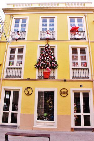 Building with Christmas decoration in La Orotava, Tenerife Foto de archivo