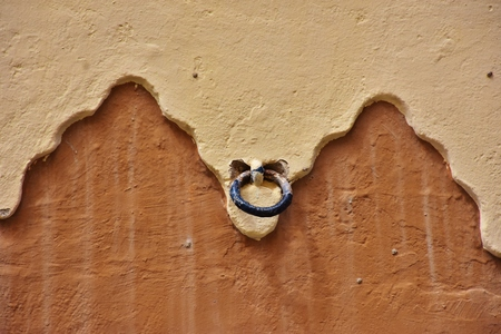 Facade decoration with ring