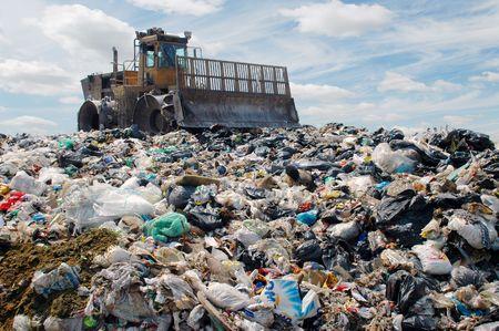 camion de basura: La comida bulldozer entierra y residuos industriales
