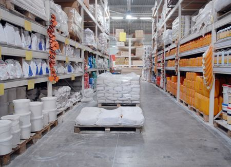 warehouse interior: Negozio di deposito dei materiali da costruzione