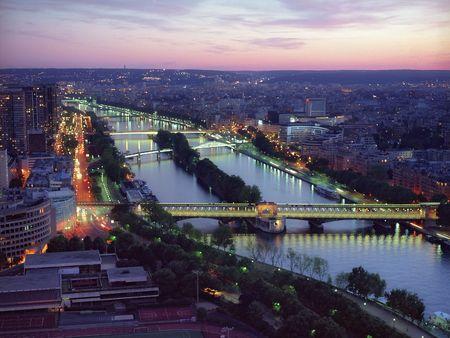 decline: Bridges of Paris on a decline from height