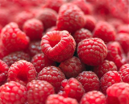 considerable: Berries of a ripe raspberry in a considerable quantity