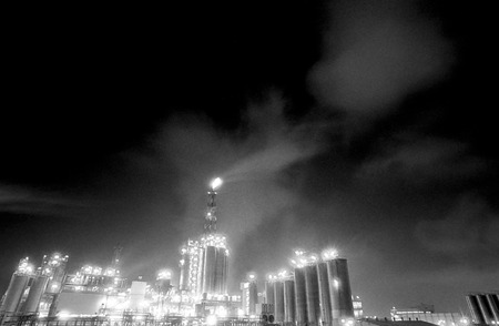 competences: Air pollution in a oil refinery in Tarragona, Spain Stock Photo