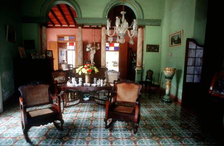 casa colonial: Casa colonial, casa de hu�spedes, Casa Mu�oz, Trinidad, Cuba. Editorial