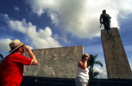 depictions: Tourists in Monument and mauseleum in honour of the national hero Che Guevara, Santa Clara, Cuba.