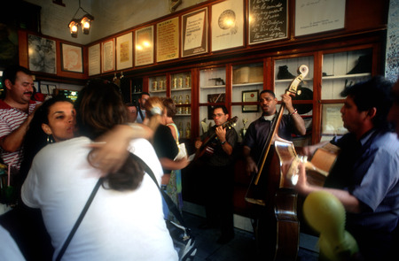 salvador allende: Love and live music in the bar at La Bodeguita del Medio in central havana, cuba. Cuba Havana La Bodeguita del Medio is a typical restaurant-bar of Havana It is very famous & touristy for the personalities