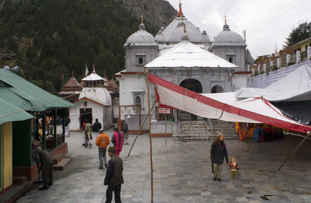 hinduist: Gangotri Temple (3042m). Gangotri National Park. Uttarakhand. India. Gangotri, Uttaranchal, India, Gangotri is the highest and the most important temple of Goddess Ganga. Gangotri is a small town centered around the Gangotri Temple of Goddess Ganga. The p Editorial