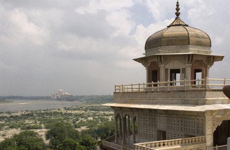 testimony: Agra, Uttar Pradesh, India. The Red Fort and the Taj Mahal bear an exceptional and complementary testimony to a civilization which has disappeared, that of the Mogul Emperors. Agras history goes back more than 2,500 years, but it was not until the reign