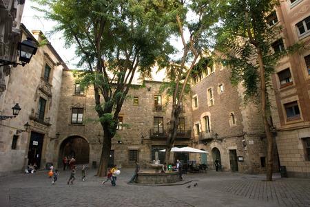 Sant Felip Neri Square, znaki Civil War, gotyckiej, Barcelona, Katalonia, Hiszpania, Europa. W średniowieczu, Barcelona stała się Ciutat Comtal (hrabiego Miasto) i zwiększyła jego znaczenia politycznego. To stało się siedzibą Instytutu głównego politycznego