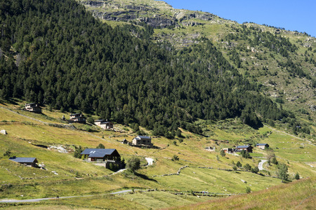 Trekking in the Vall d'Incles between Soldeu and El Tarter, Soldeu, Valira d'Orient, Pyrenees mountain, Andorra