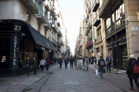 gotico: Ferran street, Barrio Gotico or Gothic Quarter, Barcelona, Catalonia, Spain Editorial
