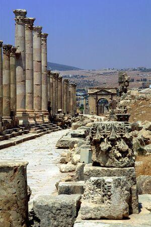 Cardo Maximus Columnade at the Roman Ruins of Jerash in Jordan Stock Photo