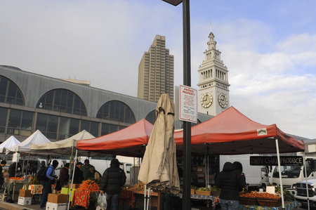 Market in the Port of San Francisco and Ferry Building, San Francisco, California, USA