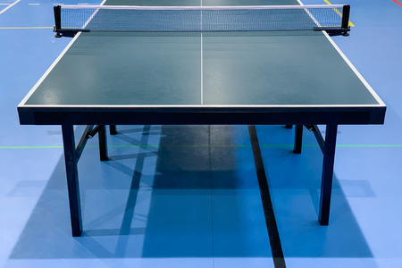 Imagen de primer plano de mesa de tenis de mesa verde