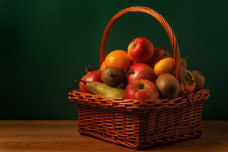 willow fruit basket: Fruit basket