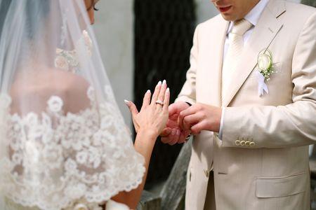 結婚式のエチュードは色で、結婚式リングです。