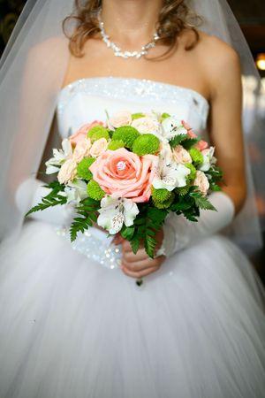 花嫁は彼女の結婚式のブーケ、結婚式