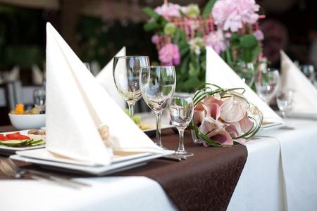 mesa para banquetes: Preparaci�n antes de la boda, una mesa de banquete de vacaciones
