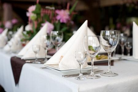 結婚式、バンケットの休日テーブルの前に、の準備 写真素材